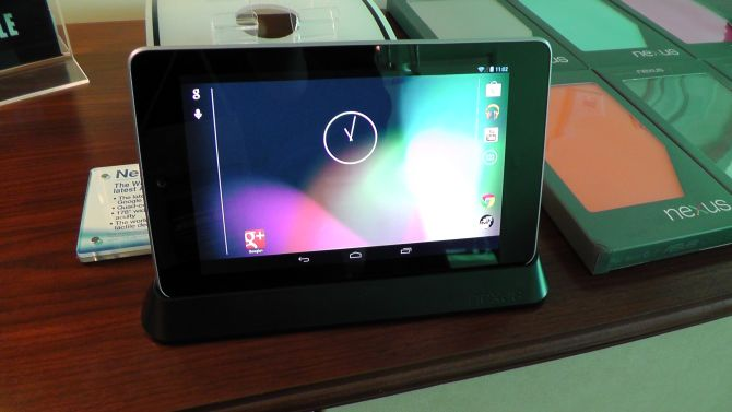 Google Nexus 7 Dock Test
